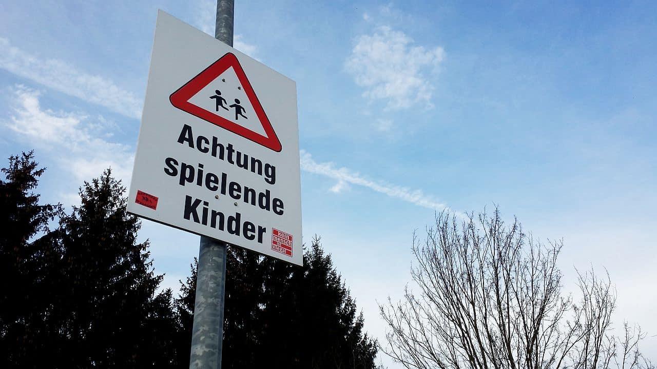 Read more about the article Klassische Kinderspiele für draußen Teil 2