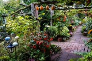 Wege im Garten – selbst pflastern