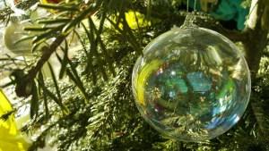 Einen Weihnachtsbaum länger frisch halten