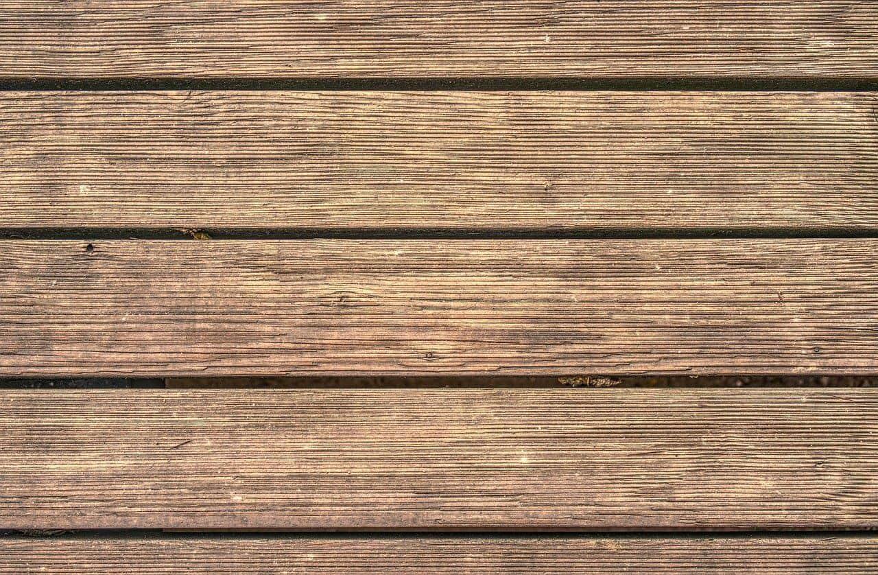Ein Terrassenboden aus Holz