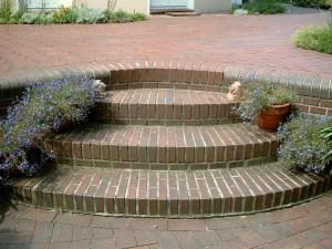 Treppen als Stilelement im Garten