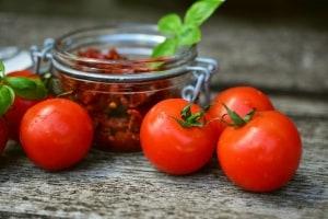 Tomaten trocknen und haltbar machen