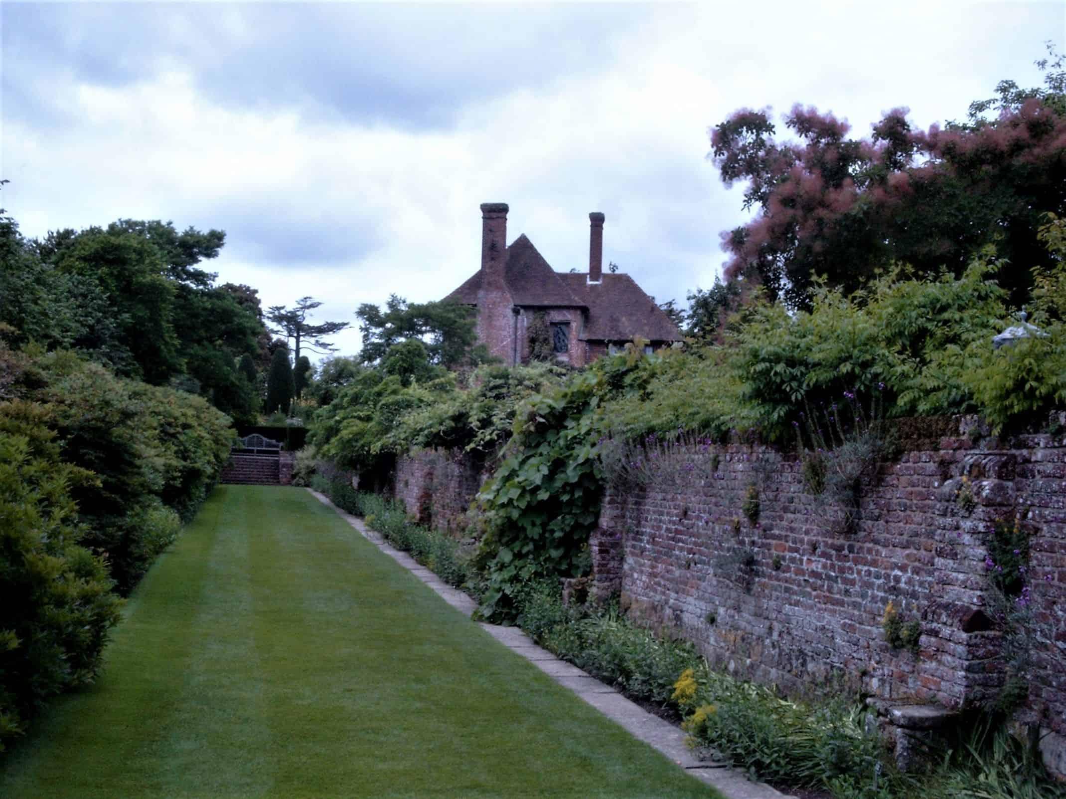 Außenmauer eines Walled Garden