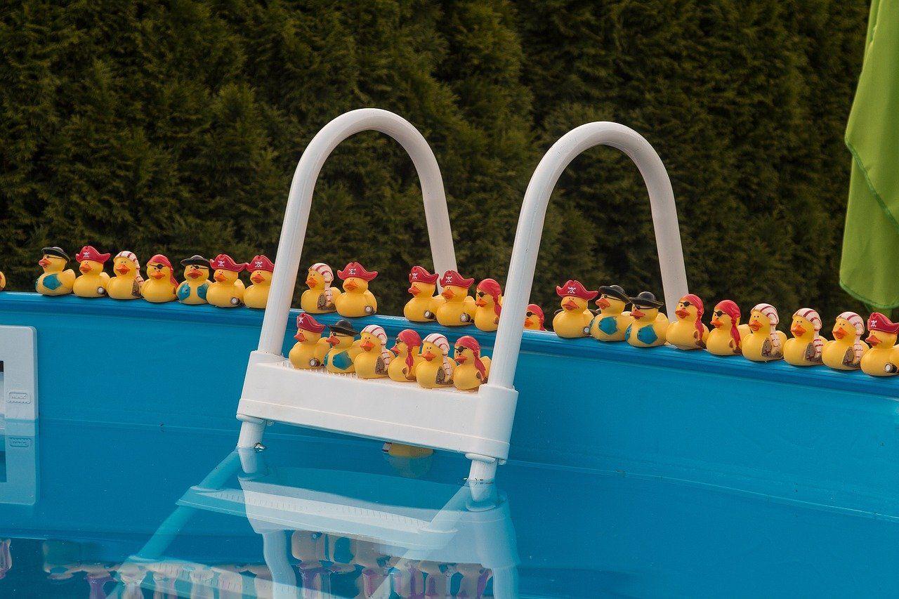 Das lässt sich gegen trübes Poolwasser tun
