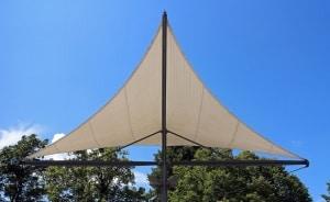 Sonnenschutz und Privatsphäre im Neubaugebiet