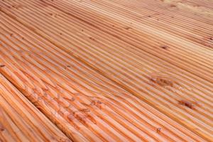 Eine Holzterrasse selbst bauen